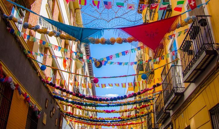 Calle Oso durante las fiestas de San Cayetano