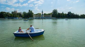 Barcas parque del retiro for Parque del retiro barcas