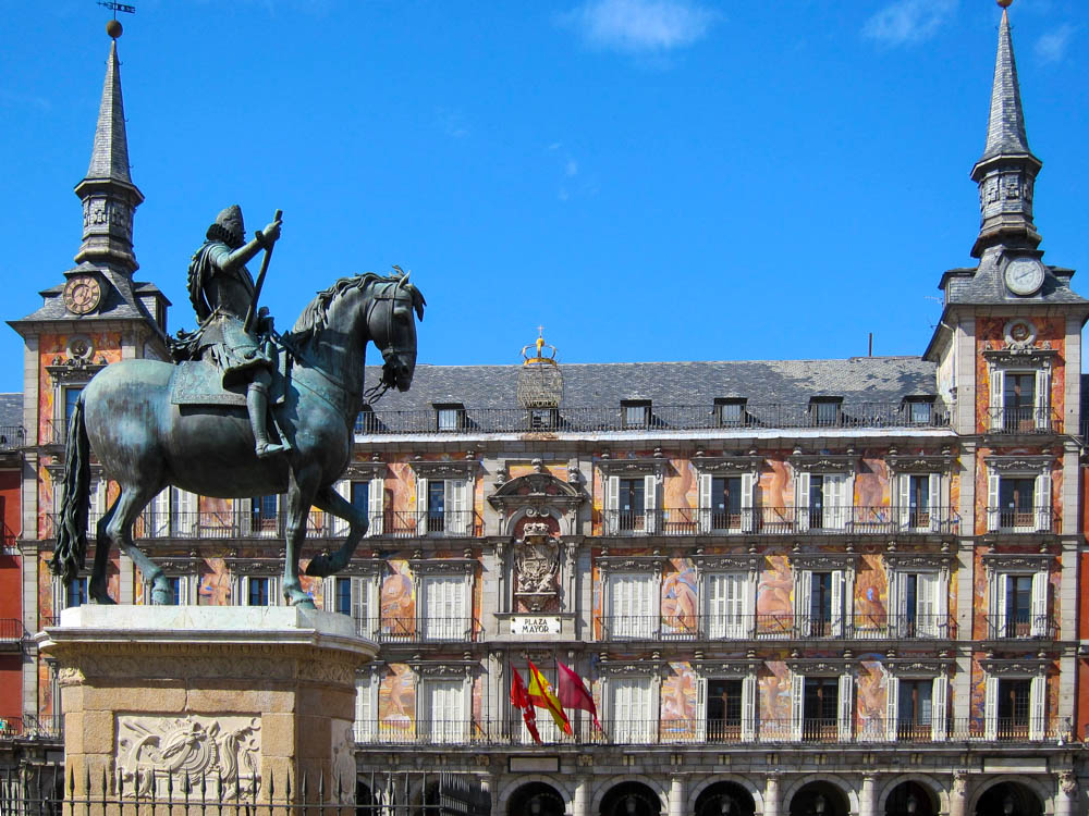Plaza Mayor view with sculpture